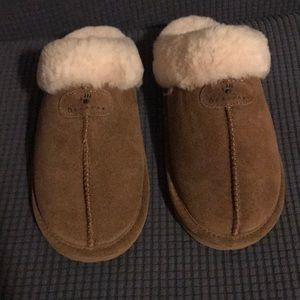 Shoes - Brand new Bear Paw Slipper